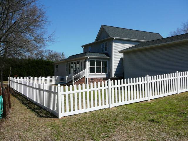 Free Estimates Best Custom Vinyl Fence Amp Deck Builder In